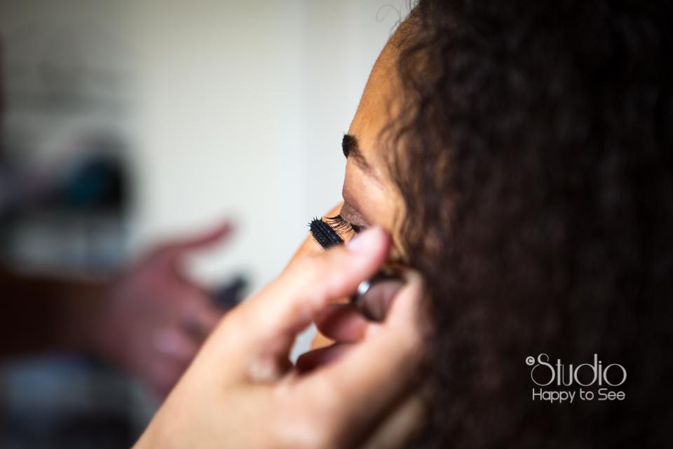 Maquillage mariée métisse au Moulin à Vent photographe de mariage dans le Tarn