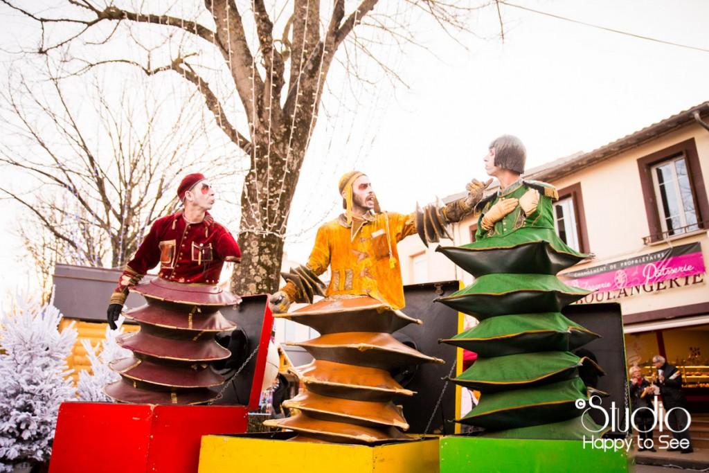 Spectacle comédiens Marche de Noel a Blagnac