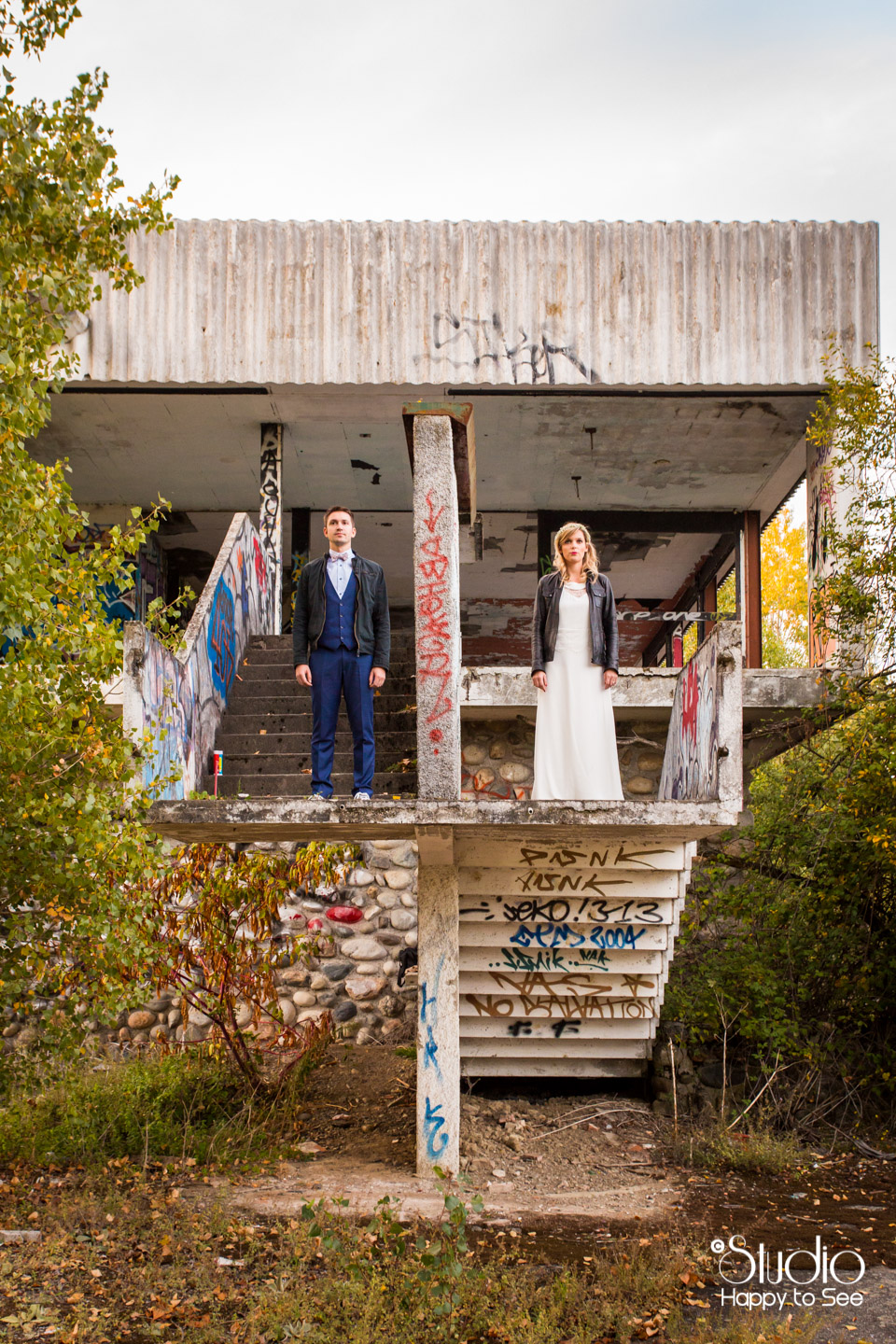 trash-the-dress-funky-graffitis
