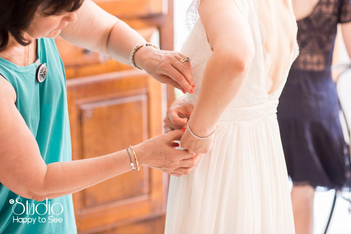 Reportage preparatifs robe de mariee