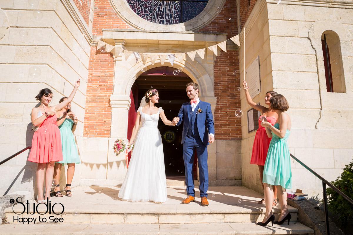 reportage mariage arcachon Eglise notre dame des passes bulles de savon