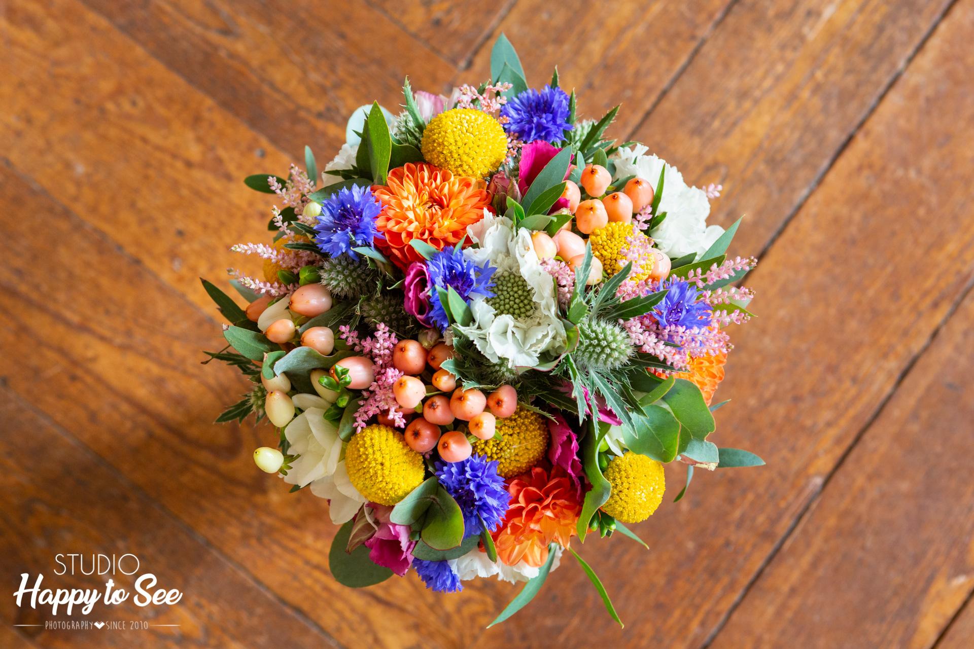 Bouquet de mariee coloré fleuriste Lily et confettis Toulouse