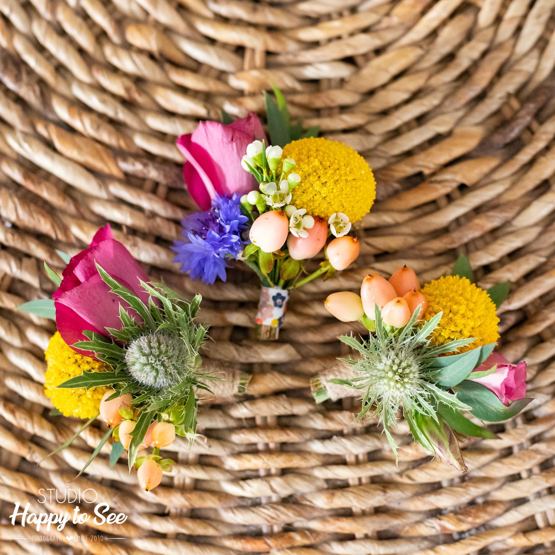 Boutonnière Mariage coloré Lily et confettis
